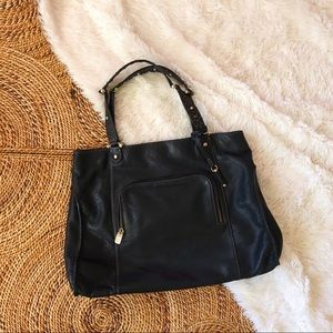 liz claiborne black pebbled leather shoulder purse